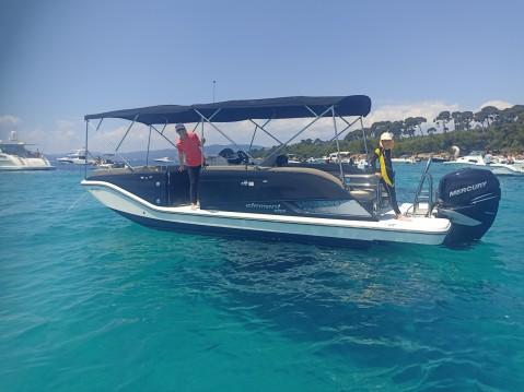Location bateau Bayliner Element XR7 à Mandelieu-la-Napoule sur Samboat