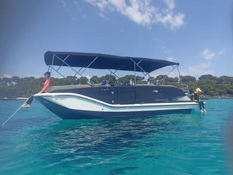 Location bateau Mandelieu-la-Napoule pas cher Element XR7