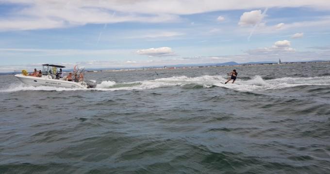 Bateau à moteur à louer à Palavas-les-Flots au meilleur prix