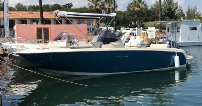Location bateau Saint-Cyprien pas cher Invictus 270 FX