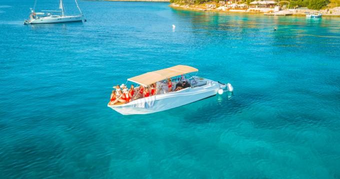 Louer Bateau à moteur avec ou sans skipper Mercan à Split