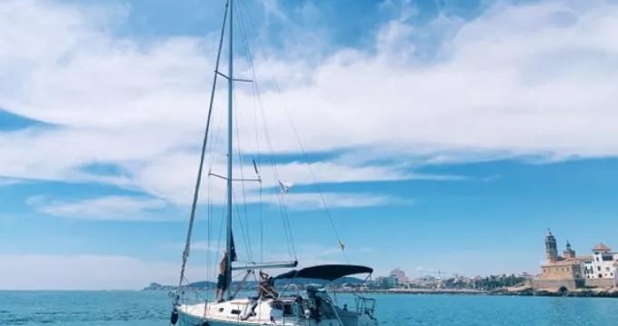 Location bateau Port de Sitges Aiguadolç pas cher Oceanis 343 Clipper