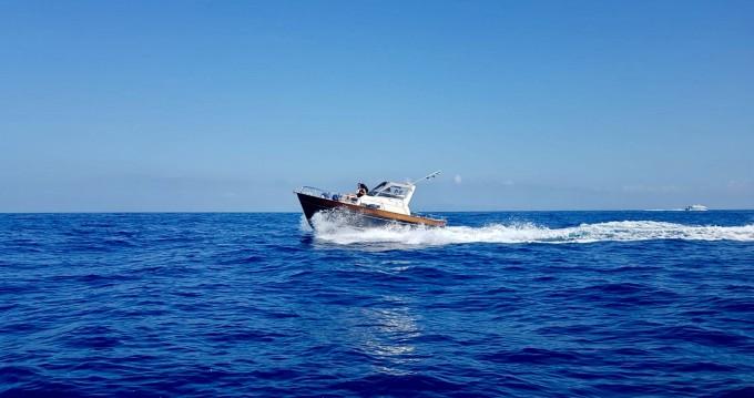 Louer Bateau à moteur avec ou sans skipper Tecnonautica à Sorrento