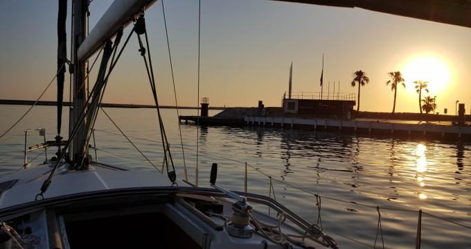 Location bateau Bénéteau Oceanis 321 Clipper à Puerto de Almeria sur Samboat