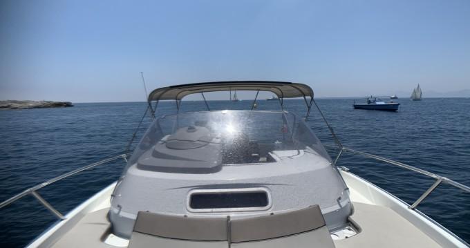 Louer Bateau à moteur avec ou sans skipper Jeanneau à Juan-les-Pins