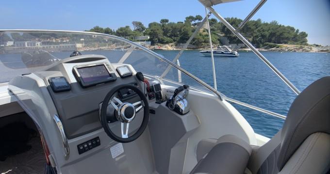 Location yacht à Juan-les-Pins - Jeanneau Cap Camarat 8.5 WA sur SamBoat