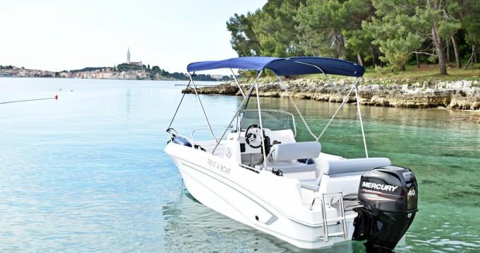 Louer Bateau à moteur avec ou sans skipper Prince à Rovinj