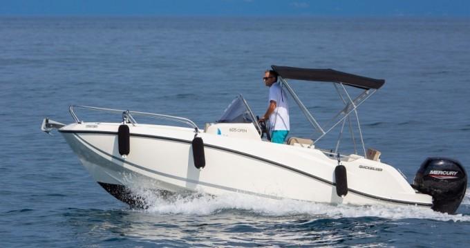 Location bateau Quicksilver Activ 605 Open à Malinska sur Samboat