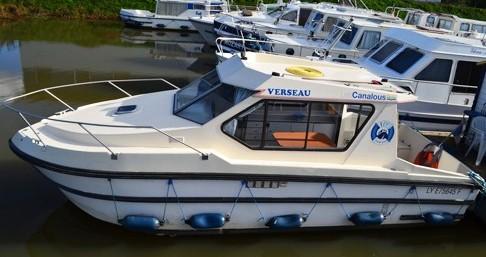 Low Cost Riviera 750 entre particuliers et professionnel à Pontailler-sur-Saône