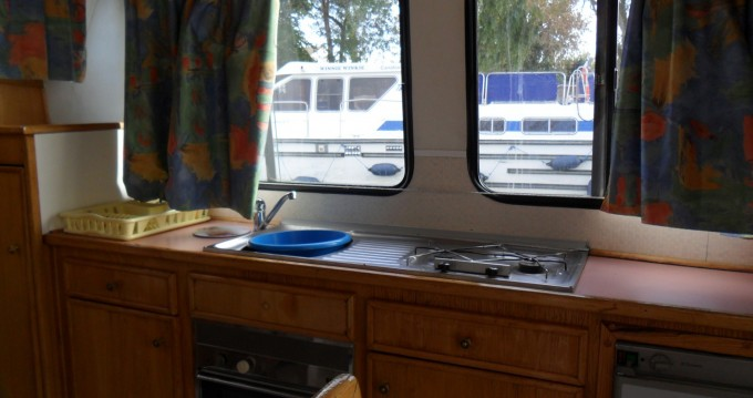 Location yacht à Digoin - Low Cost Renaud 8000 sur SamBoat