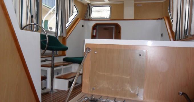 Louer Péniche avec ou sans skipper Classic à Agde