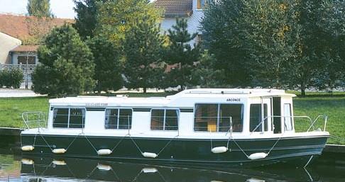 Louer Péniche avec ou sans skipper Low Cost à Châteauneuf-sur-Sarthe