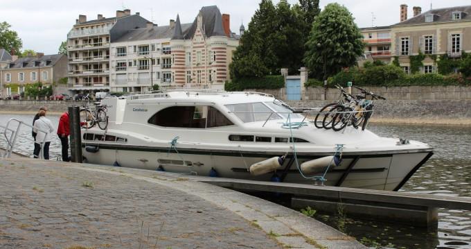 Location bateau Homps pas cher Haines Rive 40