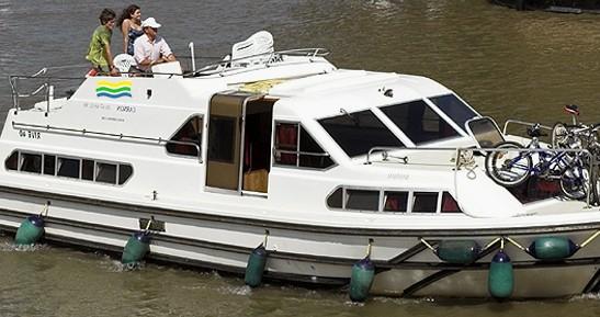 Location bateau Colombiers pas cher Haines Rive 40