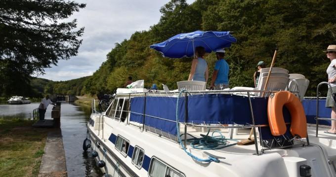Location yacht à Châteauneuf-sur-Sarthe - Classic Tarpon 42 sur SamBoat