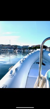Louer Semi-rigide avec ou sans skipper Bombard à Hyères