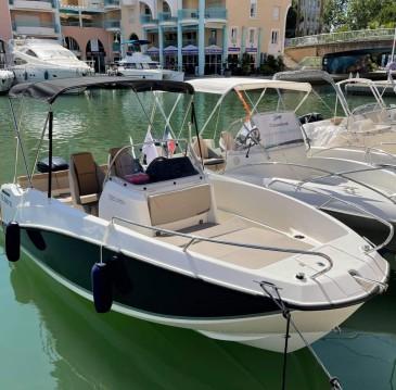 Location bateau Quicksilver Activ 555 Open à Fréjus sur Samboat