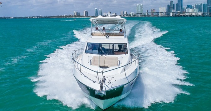 Location Yacht Sunseeker avec permis