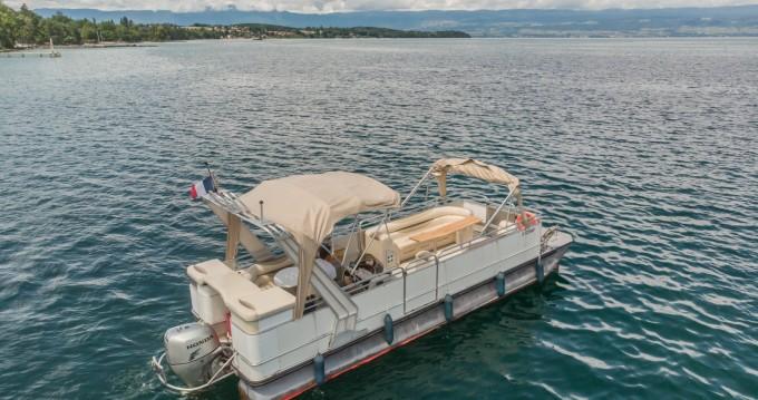 Location bateau Sciez pas cher Bateau terrasse