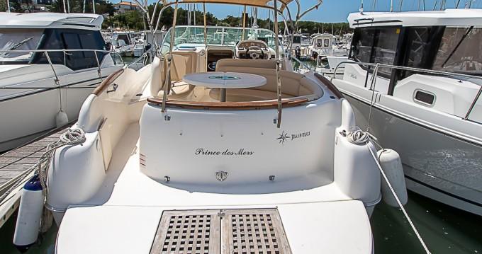 Location bateau Saint-Gilles-Croix-de-Vie pas cher Leader 805