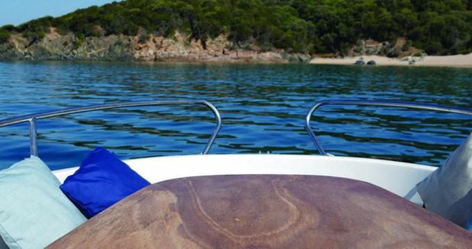Location bateau Jeanneau Cap Camarat 625 à Propriano sur Samboat