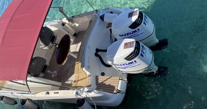Location bateau Jeanneau Cap Camarat 7.5 WA à Makarska sur Samboat