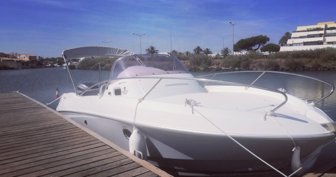 Location Bateau à moteur à Le Cap d'Agde - Bénéteau Flyer 750 Sun Deck