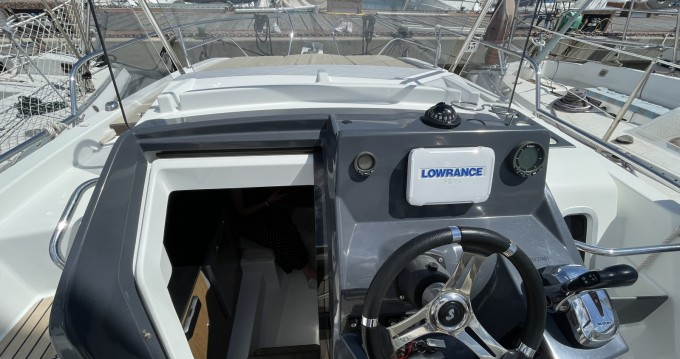 Louer Bateau à moteur avec ou sans skipper Bénéteau à Port Cogolin
