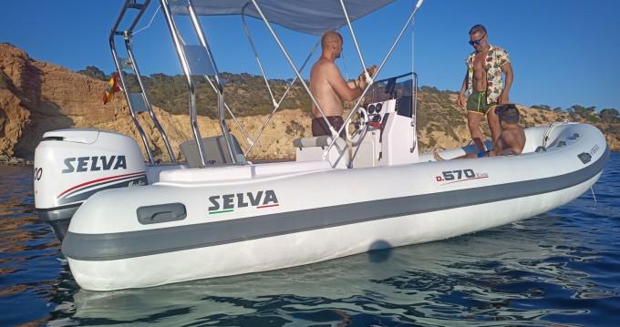 Semi-rigide à louer à Île d'Ibiza au meilleur prix