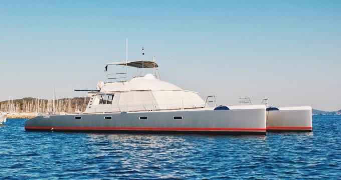 Louez un Catamaran Modèle unique à Cogolin