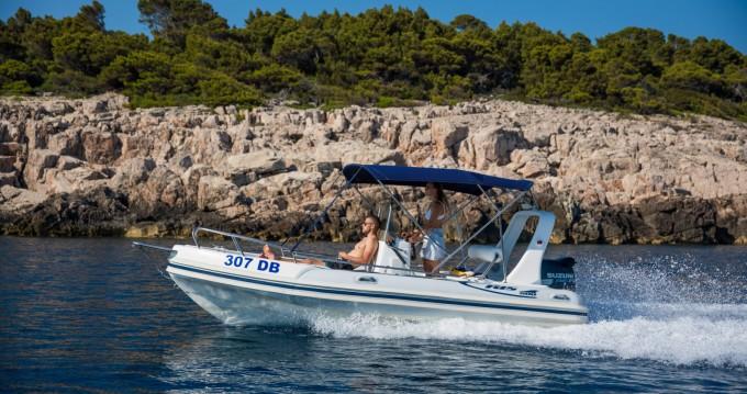 Louer Semi-rigide avec ou sans skipper Salona à Dubrovnik