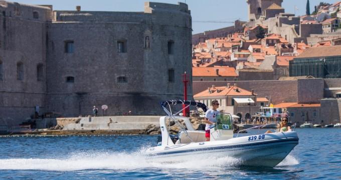 Maestral Ris 500 entre particuliers et professionnel à Dubrovnik