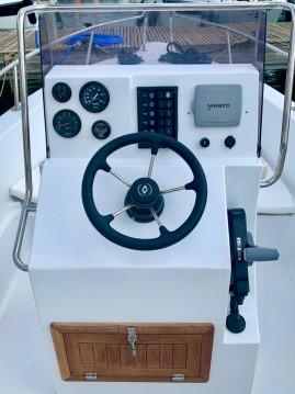 Louer Bateau à moteur avec ou sans skipper Seawind à Fornells