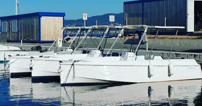 Location Bateau à moteur à Cannes - Solar Boat CA LAGON 55