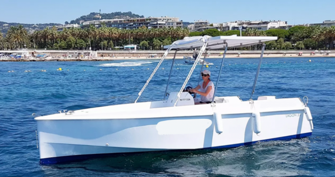 Louez un Solar Boat CA COSTO 2.0 à Cannes
