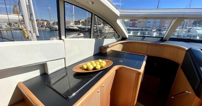Location bateau Sunseeker Predator 72 à Saint-Tropez sur Samboat