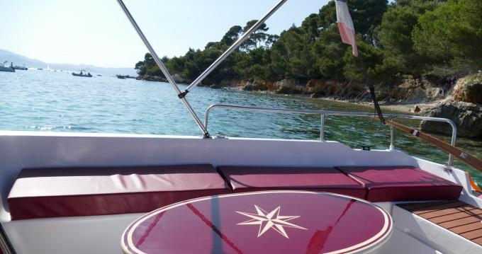 Location bateau Mandelieu-la-Napoule pas cher Cap'tain