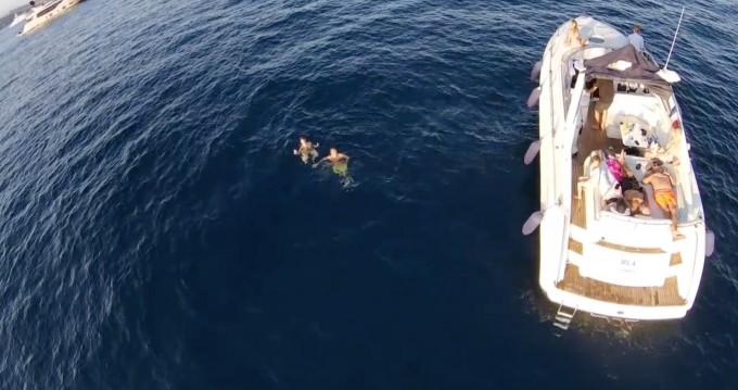 Location bateau Sunseeker Comanche 40 à Cannes sur Samboat
