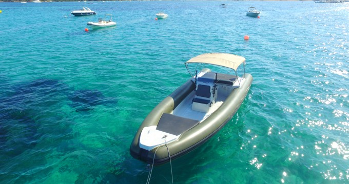 Location bateau Porto-Vecchio pas cher Lomac 1000 Club