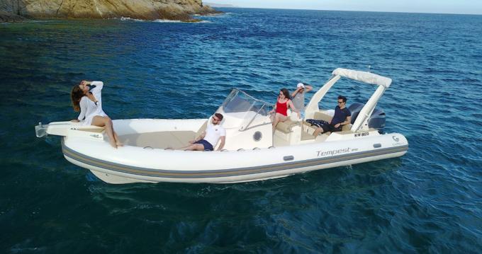 Location bateau Sainte-Maxime pas cher Tempest 850 Open