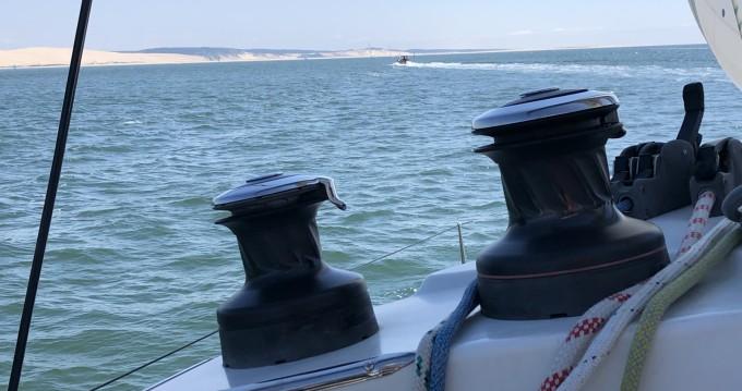 Location bateau Port d'Arcachon pas cher Lagoon 380 S2