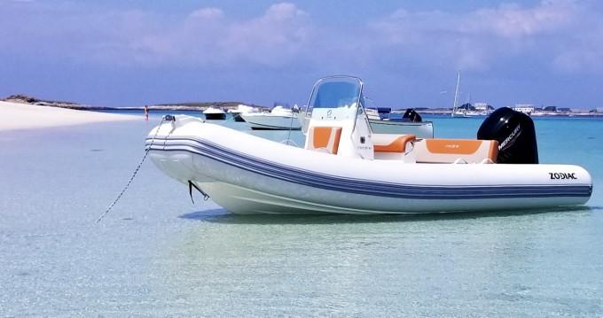 Location yacht à Kernével - Zodiac Medline 580 Hypalon sur SamBoat