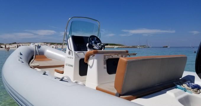 Location bateau Zodiac Medline 580 Hypalon à Kernével sur Samboat