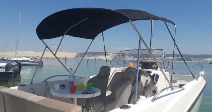 Location bateau Andernos-les-Bains pas cher Activ 675 Open