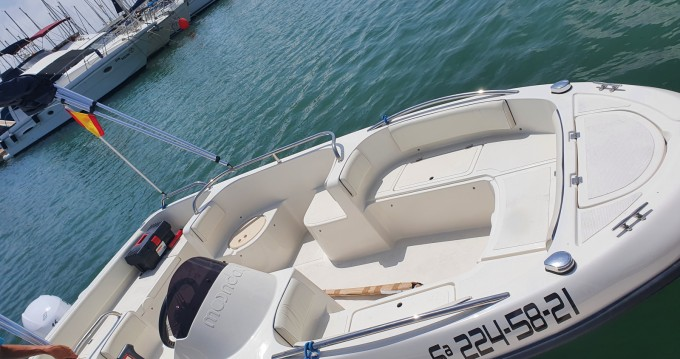 Louez un Remus Remus 450 open à Cabo Roig