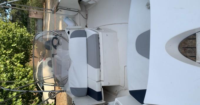 Bateau à moteur à louer à Port-Saint-Louis-du-Rhône au meilleur prix