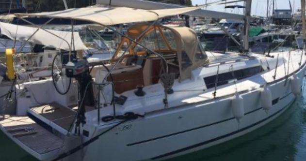 Location yacht à Hyères - Dufour Yachts 350 sur SamBoat