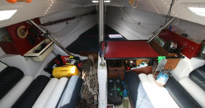 Location yacht à Port de Hyères (St Pierre) - Bénéteau First Classe 8 sur SamBoat