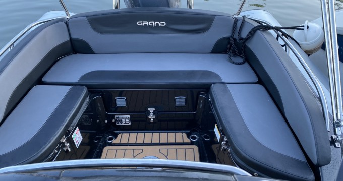 Louer Semi-rigide avec ou sans skipper Grand Boats à Hyères