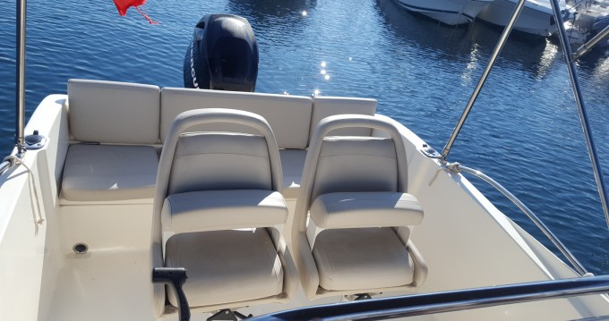 Location bateau Sainte-Maxime pas cher Activ 535 Open